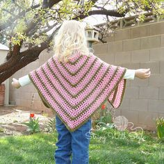 Sassy Girl Triangle Shawl designed by String With Style - FREE crochet pattern!