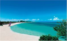 Our hotel in 2008 Paradisus, in Varadero, Cuba. Cuba Resorts, Cuba Hotels, All Inclusive Beach Resorts, Varadero Cuba, Travel Bugs, Resort Spa, Places Ive Been, Sea, Water