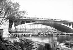 Construction du pont Viau à Ahuntsic . - [192-] - Archives de Montréal