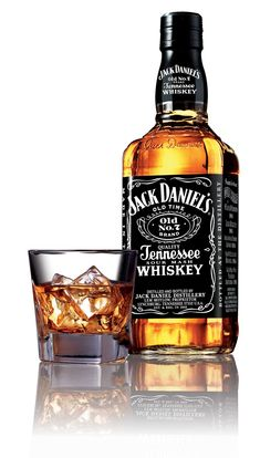 Did you know Jack Daniel's is made in a Dry County? Locals can't even buy a bottle! View 5 Facts about Jack Daniels Whiskey . Bebidas Jack Daniels, Festa Jack Daniels, Jack Daniels Sauce, Jack Daniels Black, Jack Daniels Bottle, Jack Daniels Wallpaper, Whisky Jack, Jack Daniel's Tennessee Whiskey, Scotch Whiskey
