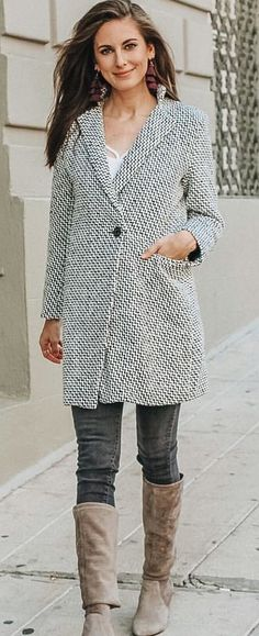 gray button-up coat Black Long Sleeve Shirt, Long Sleeve Shirts, Perfect Fall Outfit, Autumn Outfits, Blue Jeans, Zip Ups, Black Leather, Shirt Dress, Gray