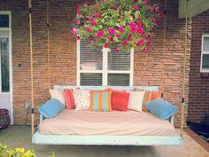 Pallett porch swing