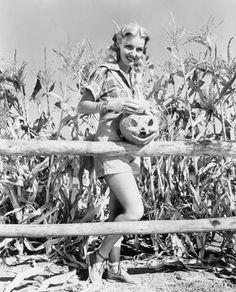 Bettie Page In Halloween Costume Vintage Retro Halloween