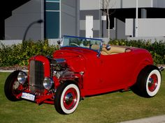 1932 FORD MODEL B  A stunning old-skool hiboy hotrod, pro-built by RodBods(NSW) Show-condition hotrod cruises easily in heavy traffic or highway, draws a crowd wherever it goes. Selling for new project (to fit the kids in) Sorry no trades.  $70,000