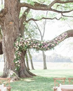 About to board my flight home from Vegas & I'll just be staring at this gorgeous floral arch by @heygorgevents for a bit! Can you imagine exchanging vows under this beauty?! See more photos from @sam_and_brad including our custom stationery suite over on our blog! {link in profile}. #weddingdecor #thedailywedding