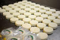 ¡Adéntrate en esta fábrica de quesos artesanales!: http://www.sal.pr/eventoespecial/tradicionquetrasciendegeneraciones.html