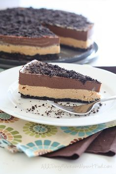 Chocolate Peanut Butter Dirt Cake – Low Carb and Gluten-Free via @dreamaboutfood