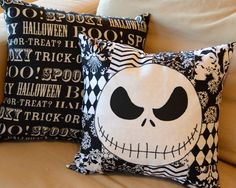 disney halloween - Sit back and relax on these DIY The Nightmare Before Christmas pillows after a l. Holidays Halloween, Halloween Crafts, Happy Halloween, Christmas Crafts, Halloween Pillows, Xmas, Halloween Prop, Christmas Ideas, Christmas Pillow