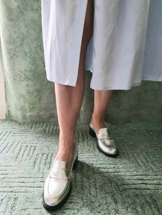 Ballerinas, Pumps, Trends, Chanel Ballet Flats, Style, Fashion, Fashion Styles, Light Blue, Blouse