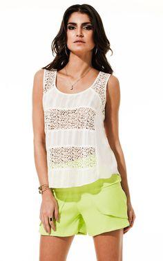 Lookbook Raizz Primavera-Verão 14 - Blusa de renda guipir e recortes em voal  Shorts verde cítrico com recortes