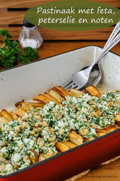 Pastinaak met feta, peterselie en noten Parsnip with feta, parsley and nuts – Special vegetable dish from Pascale Naessens. Good Healthy Recipes, Veggie Recipes, Vegetarian Recipes, Dessert Recipes, Desserts, Feel Good Food, I Love Food, Vegan Diner, Healthy Diners