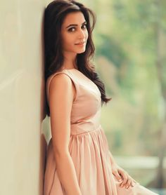 Kriti Kharbanda ÇR❗ GR❗ Beautiful Celebrities, Beautiful Actresses, Beautiful Women, Bollywood Fashion, Bollywood Actress, Kirti Kharbanda, Tamil Actress Photos, I Love Girls, South Indian Actress