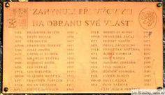 Pomník v Chotusicích