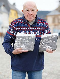 Díky natáčení pořadu Zmizelá Šumava vznikla stejnojmenná kniha, která byla přeložena i do němčiny.