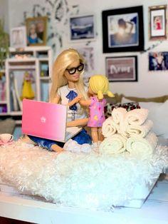 Barbie Room, Doll Clothes Barbie, Miniture Dollhouse, Diy Dollhouse, Realistic Barbie, Toy Cars For Kids, Barbie Fashionista Dolls, Barbie Diorama, Barbie Family
