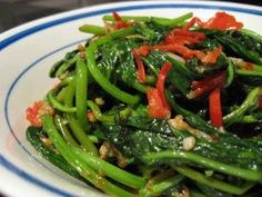 INGREDIENTS : 1lb Kangkung [also called Water Spinach or Water Convolvulus], washed well in water, drained and cut into 2-3 inch lengths 3...