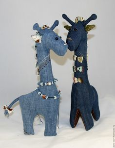17 Ideas sewing jeans recycling kids for 2019 Jean Crafts, Denim Crafts, Stuffed Animal Patterns, Diy Stuffed Animals, Sewing Toys, Sewing Crafts, Artisanats Denim, Recycling For Kids, Sewing Jeans