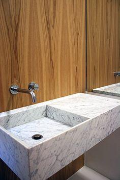 Mirando al Norte | RÄL167 - Interiorismo, decoración, reforma y diseño de interiores Bathrooms, Sink, Home Decor, Righteousness, Norte, Interior Design, Flats, Sink Tops