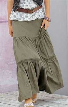 The skirt on the floor pattern Maxi Skirt Outfits, Dress Skirt, Maxi Skirt Tutorial, Peasant Skirt, Bohemian Mode, Boho Fashion, Skirts, Curvy Mode, Picture Search