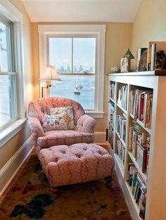 Perfect Reading Nook In Living Room Decoration Ideas - DIY Craft and Home Small Home Libraries, Overstuffed Chairs, My New Room, Cozy House, My Dream Home, Living Spaces, Living Room, Cozy Living, Sweet Home