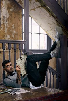 Musician and a former member of One Direction Zayn Malik takes the pages of GQ Style Magazine's Fall 2016 edition captured by photographer Anders Overgaard. Estilo Zayn Malik, Zayn Malik Fotos, Zayn Malik Style, Zayn Malik Photoshoot, Gq Usa, Zany Malik, Photo Hacks, Rihanna, Beyonce
