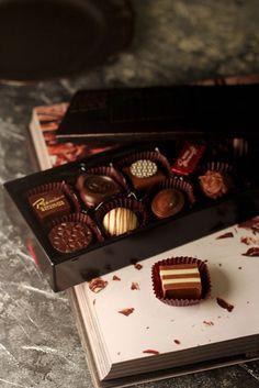 Morozoff , PREMIUM CHOCOLATE SELECTION