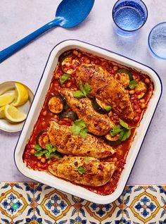 Ras el Hanout Chicken Tray Bake - Pinch Of Nom Cod Recipes, Fish Recipes, Duck Recipes, Clean Eating Recipes, Cooking Recipes, Healthy Eating, Healthy Food, Traybake Dinner, Chicken Tray Bake Recipes