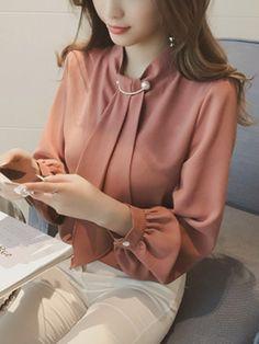 womens tops on sale – Hijab Fashion 2020 Hijab Fashion, Korean Fashion, Fashion Outfits, Fashion Fall, Womens Fashion, Blouse Styles, Blouse Designs, Hijab Stile, Mode Hijab