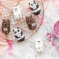Bear & panda cake popsicles by Jessica (@luxeandthelady) |