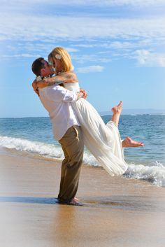 Maui Wedding Adventures - Hawaii Photographers - Romantic beach wedding photography