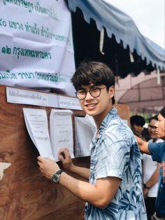 Ohm Pawat Chittsawangdee - Képtár - G-Portál Handsome Faces, Handsome Actors, Cute Actors, Handsome Guys, Breathe, Ideal Boyfriend, Boyfriend Pictures, Dream Boy, Thai Drama