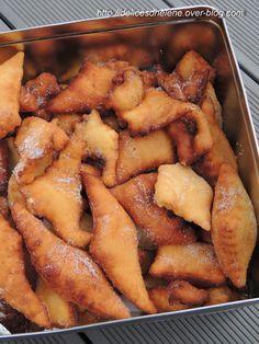Demain c'est mardi gras, l'occasion de réaliser de bons beignets faits maison et de parfumer la maison de friture! Pour une cinquantaine de beignets 500g de farine 4 oeufs entiers 60g de beurre fondu 100g de sucre une pincée de sel 1 sachet de levure...