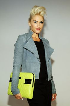 Gwen wore her hair in a faux-hawk baouffant for the for the L.A.M.B. Spring 2010 presentation.