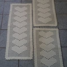 Virkkaus Filet Crochet Charts, Bohemian Rug, Banana, Home Decor, Crochet Carpet, Bathroom Mat Sets, Basic Crochet Stitches, Crochet Art, Table Runners