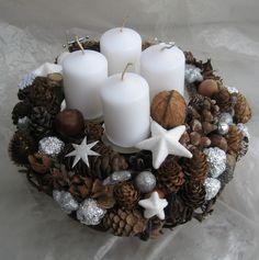 Bílé vánoce...... trvanlivá adventní dekorace v terakotovém květináči nenechávejte hořet bez dozoru