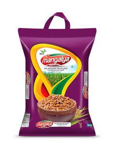 Mangalya Palakkadan Matta Rice Bag - Brandz.co.in Rice Packaging, Types Of Packaging, Food Packaging Design, Packaging Design Inspiration, Brand Packaging, Food Brand Logos, Logo Food, Rice Bags, Packaging Machine