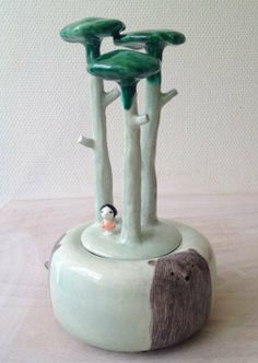 Nathalie Choux, a box for treasures with sculptural detail on the lid.   Ceramic, sculpture, cute/sweet,