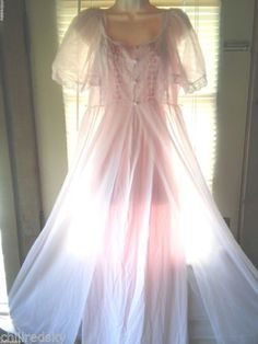 Vintage Texsheen Sheer Chiffon Lace Peignoir Robe Nightgown Negligee Gown  Set M abd369ba6