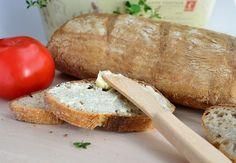 Chleb jest pieczony na zakwasie, trzeba pamiętać, aby zaczyn na niego przygotować kilka godzin wcześniej. Jest naprawdę przepyszny. Serdecznie go polecam.