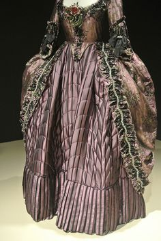 """Costume for """"Georgiana, Duchess of Devonshire"""" (as worn by Keira Knightley) 'The Duchess' 2008. #CostumeDesign by Michael O'Connor."""