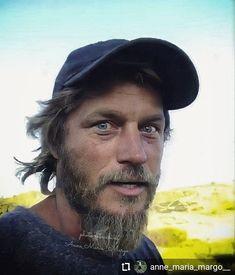 Vikings Travis Fimmel, Ragnar, My Crush, Crushes, Handsome, Celebs, Pretty Boys, Amor, Vikings