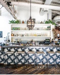 This bar/restaurant is to die for! Cafe Bar, Cafe Restaurant, Restaurant Ideas, Restaurant Interior Design, Cafe Interior, Diy Interior Doors, Interior Decorating, Decorating Games, Estilo Tropical