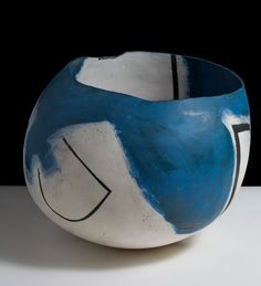 Gordon Baldwin, Blue Painting in the Form of a Bowl (1989). Earthenware  © The Anthony Shaw Collection /York Museums. Photo: Philip Sayer