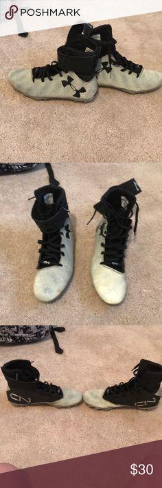 Boys/men under armour cam newton football cleats Mint condition football cleats Under Armour Shoes
