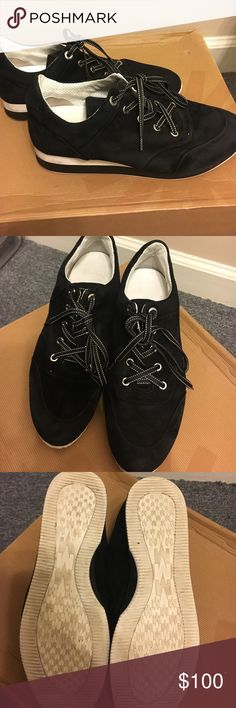 MaxMara shoes Black MaxMara shoes in excellent condition size 40 fits like 9- 91/2 MaxMara Shoes Sneakers