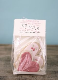 """Be Mine"" Valentine's Day Labels & Sugar Cookies 