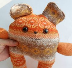 Cute recycled sweater bear. I live this cute thing!