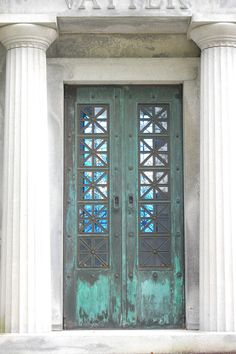 Metairie Cemetery, New Orleans  Copyright Jen Ralston 2012