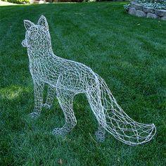 Chicken Wire Art, Chicken Wire Sculpture, Chicken Wire Crafts, Sculpture Textile, Wire Art Sculpture, Abstract Sculpture, Wire Sculptures, Sculpture Ideas, Ceramic Sculptures