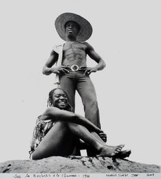 Malick Sidibe, Sur les Rochers a la Chaussee, 1976, silver gelatin print, 17 x 17 inches, MS09.027.